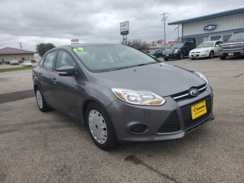 Pre-Owned 2014 Ford Focus SE Front Wheel Drive Sedan M779